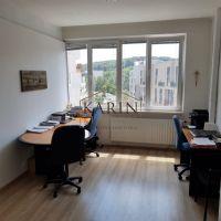 Kancelárie, Bratislava-Dúbravka, 17 m², Čiastočná rekonštrukcia