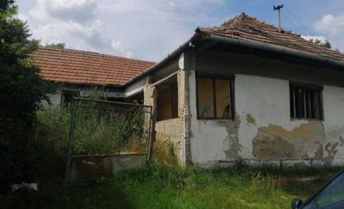 Rodinný dom v rekonštrukcii na predaj v obci Strekov!