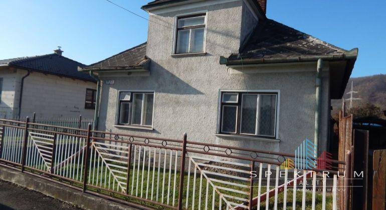 MASTER REAL-Na Predaj 3-izbový rodinný dom 721 m2, Zemianske Kostoľany, okres Prievidza