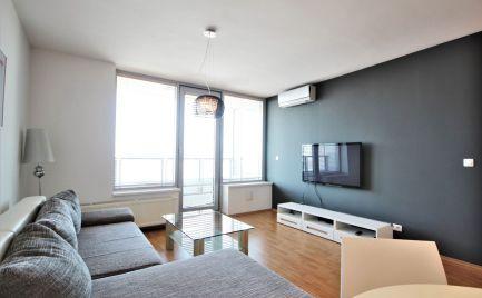 PREDAJ - vynikajúci 2i byt v projekte TRI VEŽE s nádherným výhľadom, BA III.