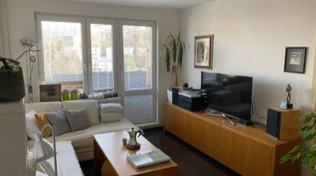 REZERVOVANÝ - Exkluzívne u nás. Ponúkame na predaj krásny 3 izbový nadštandardne zrekonštruovaný byt na sídlisku Stred.