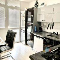 4 izbový byt, Bánovce nad Bebravou, 83 m², Čiastočná rekonštrukcia