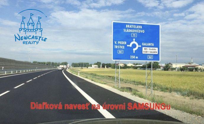Pozemok na predaj na frekventovanej ceste pri Galante