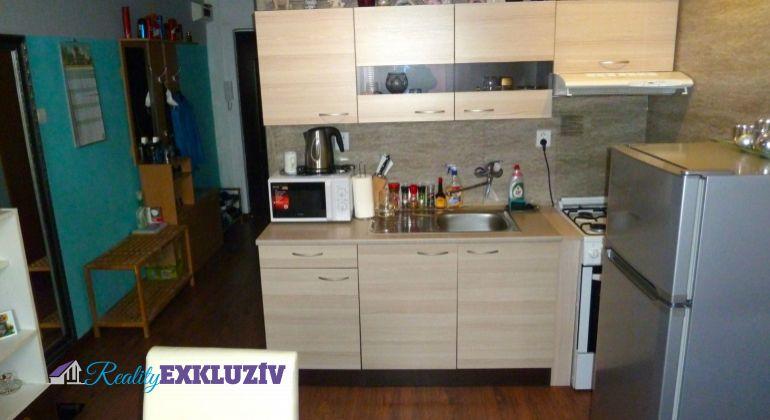 1 izbový byt na predaj v meste Lučenec, kompletná rekonštrukcia s loggiou...