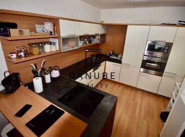 Prenájom priestranný 2-izbový byt na Tomášikovej ulici v Bratislave – Nové Mesto Koloseo.