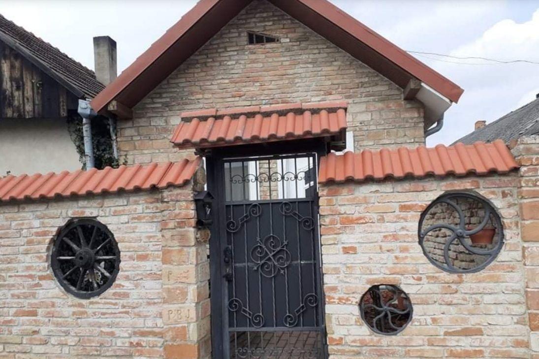 Rodinný dom-Predaj-Košúty-67 000 €
