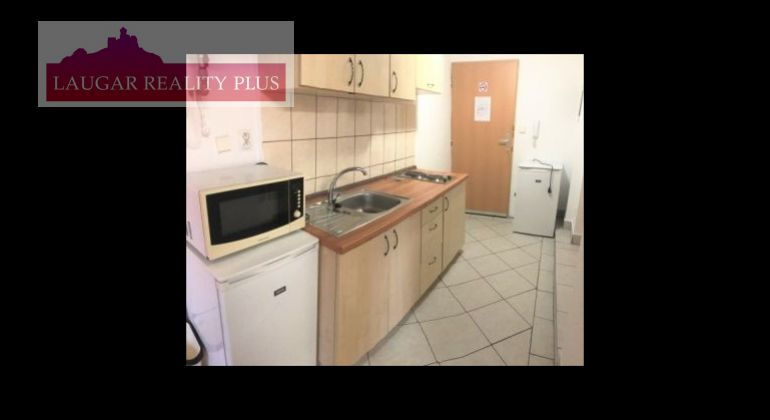 Prenájom 2 izb. byt v centre mesta Trenčín