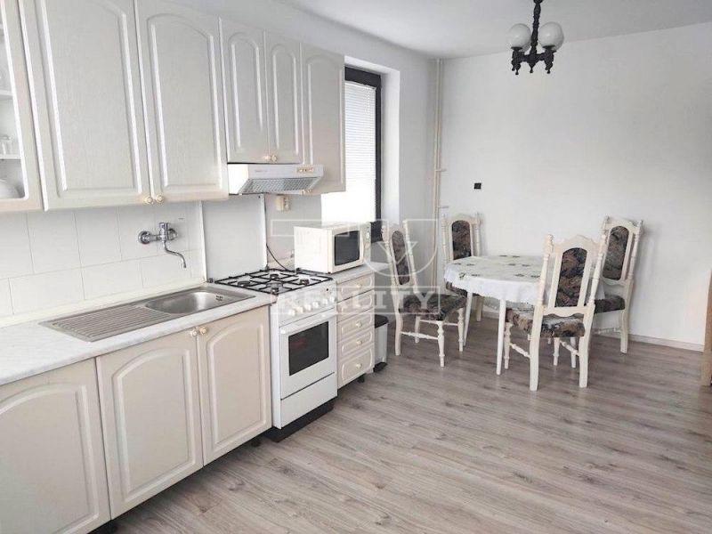 Rodinný dom-Prenájom-Považská Bystrica-650 €