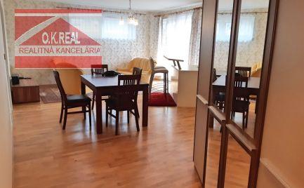 Ponúkame na prenájom zariadený, svetlý 3-izbový byt v novostavbe na Kramároch na Uhrovej ulici s parkovacím státím.