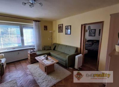 Ponúkame na predaj pekný 2 - izbový byt v centre Komárna