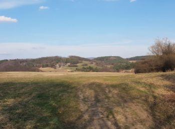 Krásny pozemok nad obcou Lukavica