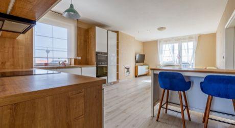 Slnečný 3- izbový byt na ulici Lipová vo Viničnom