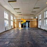 Obchodné, Prievidza, 130 m², Pôvodný stav