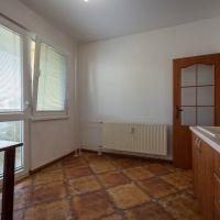 3 izbový byt, Košice-Dargovských hrdinov, 68 m², Čiastočná rekonštrukcia