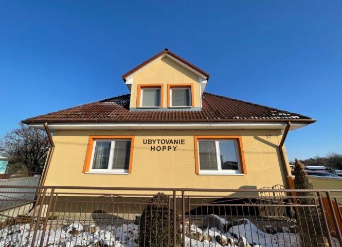 Rodinný dom - Lúčnica nad Žitavou - Fotografia 1