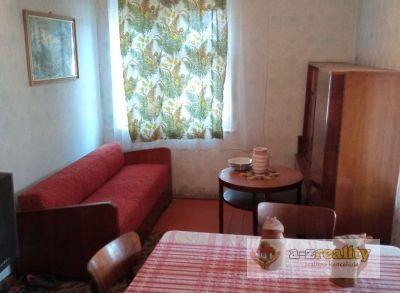 Ponúkame na predaj 4 izbový dom s veľkým pozemkom v Chotíne