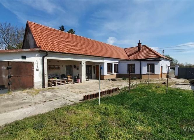 Rodinný dom - Dolné Lovčice - Fotografia 1