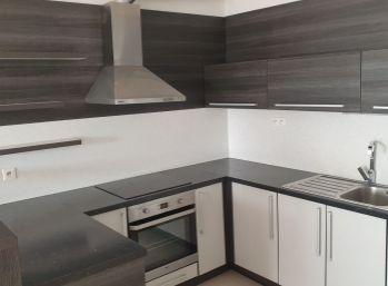 BA II. Na prenájom 2 izbový, nezariadený byt na Martinčekovej ulici v novostavbe