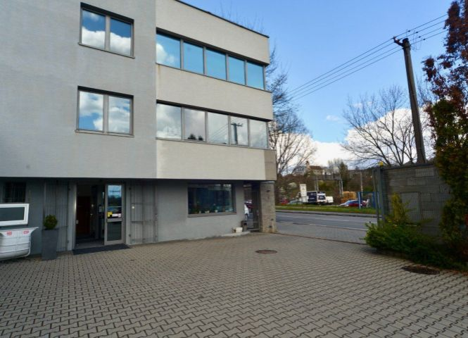 kancelárie - Bratislava-Lamač - Fotografia 1