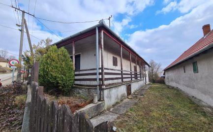 GEMINIBROKER v obci Füzér ponúka na predaj rodinný dom s výhľadom na hrad