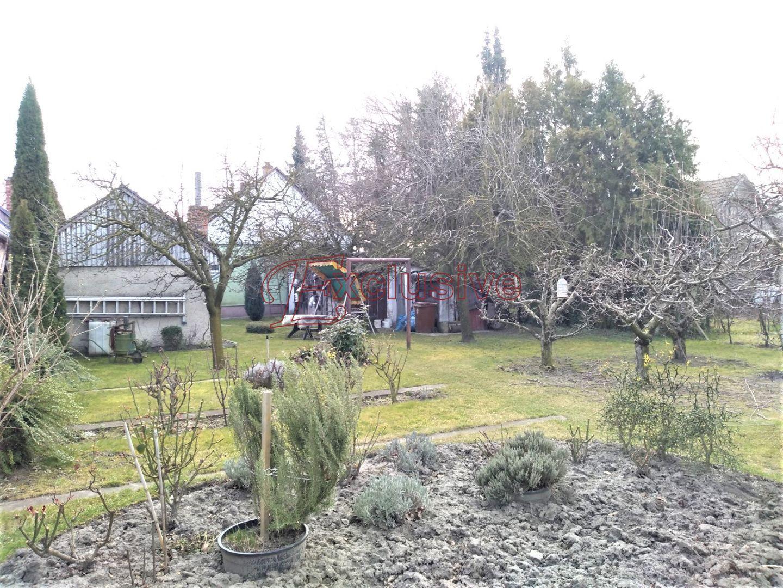 Pekný gazdovský dom v dobrom stave na veľkom pozemku