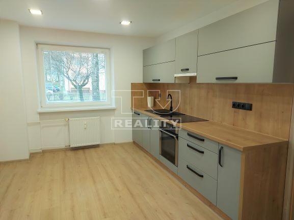 REZERVOVANÉ Na predaj pekne zrekonštruovaný 2izbový byt na Podháji, 57m2 s loggiou