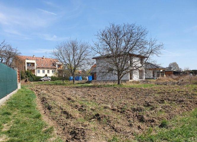 pre rodinné domy - Bohdanovce nad Trnavou - Fotografia 1