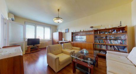 Príjemný 2 izb. byt /balkón, výťah/ Piešťany