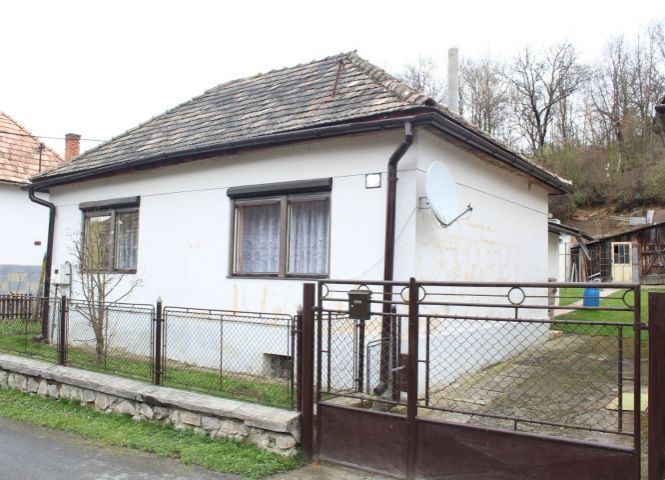 Rodinný dom - Mučín - Fotografia 1