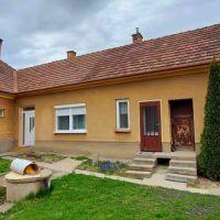 Rodinný dom, Topoľníky, 120 m², Čiastočná rekonštrukcia