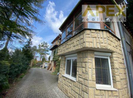 Exkluzívne APEX reality 7i. dvojgeneračný poschodový RD v Koplotovciach, 280 m2, pozemok 956 m2