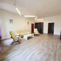 2 izbový byt, Banská Bystrica, 80 m², Čiastočná rekonštrukcia