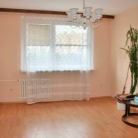 3 izbový byt, Bratislava-Petržalka, 76 m², Čiastočná rekonštrukcia