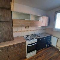 3 izbový byt, Komárno, 68 m², Čiastočná rekonštrukcia