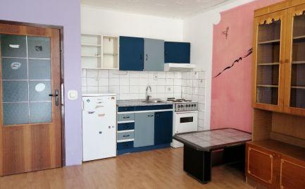 Predaj garsónky 28 m2 s veľkou presklenou loggiou v Brezovej pod Bradlom, okr. Myjava