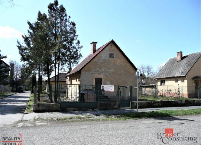 Rodinný dom - Fiľakovo - Fotografia 1