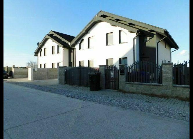 Rodinný dom - Hviezdoslavov - Fotografia 1