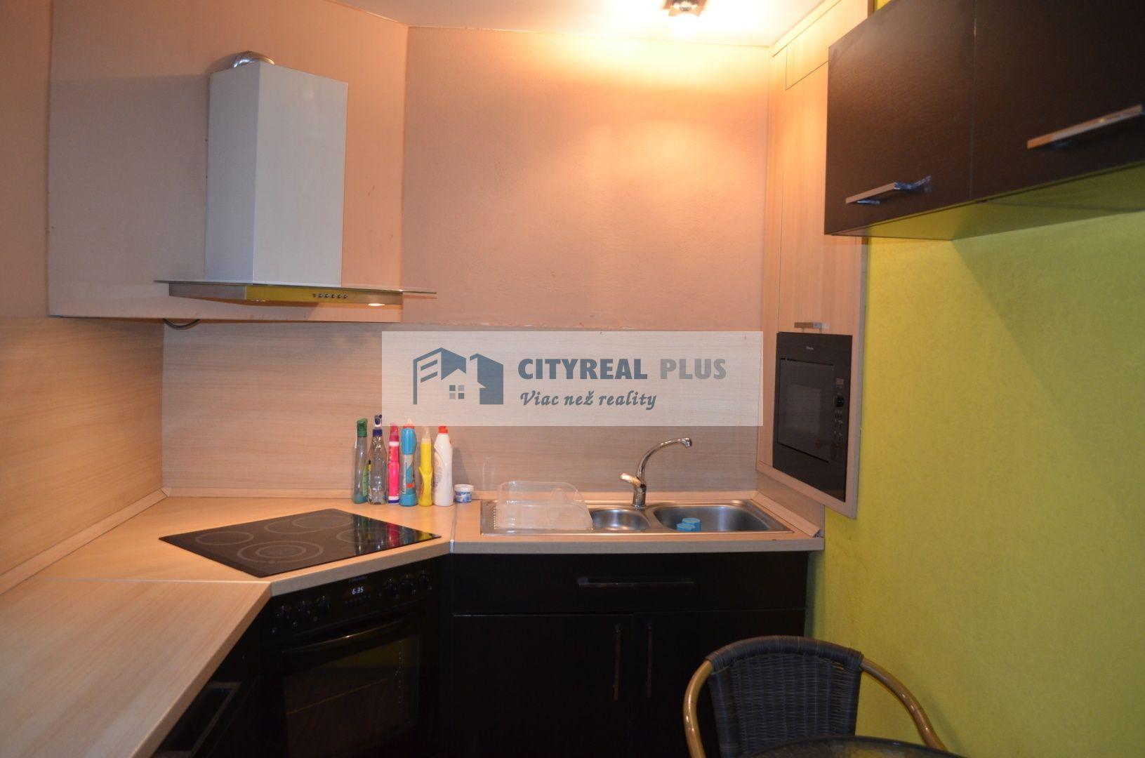 Predám prerobený 1 izbový byt blízko stanice Nové Zámky