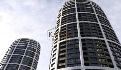 SKY PARK by Zaha Hadid - 2 izbový byt s loggiou a parkovaním, ul. Továrenská