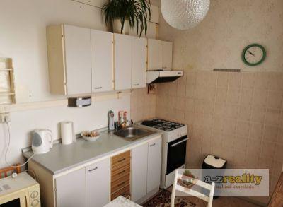 3074 Na predaj veľký 2 izbový byt v Nových Zámkoch