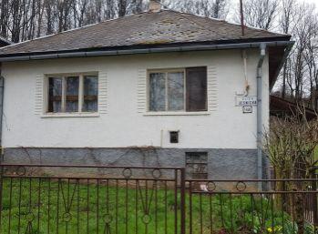 EXKLUZÍVNE na predaj dom v pôvodnom stave na Lesníckej v Snine (N005-12-JOHA)