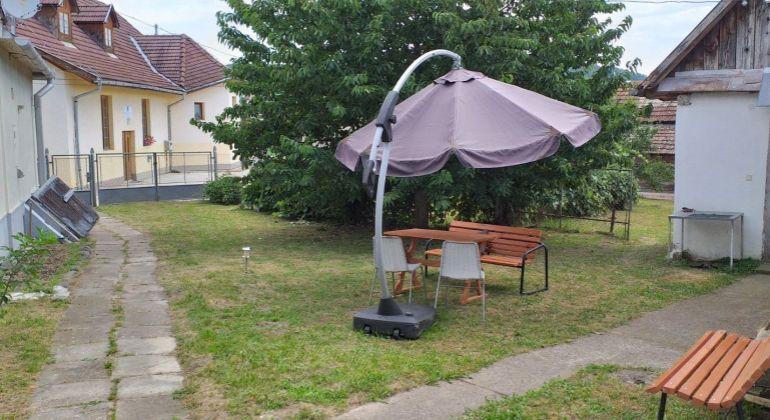 V tichej obci Vyšné Valice je na predaj rodinný dom priamo v centre obce.