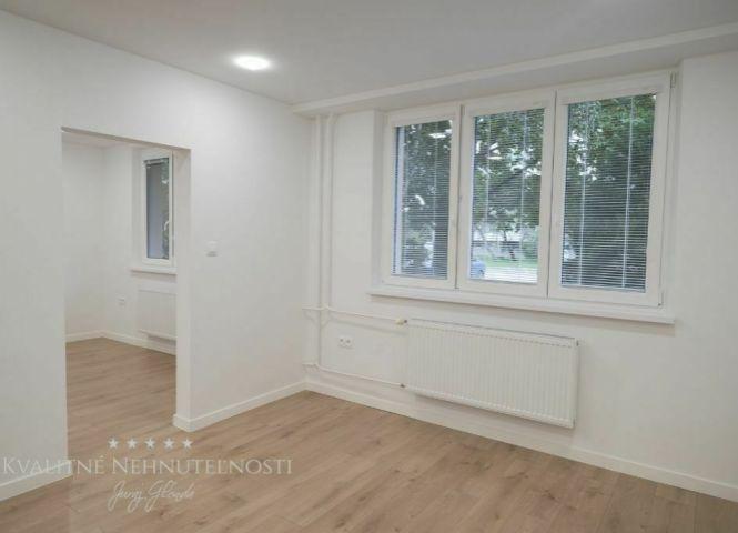 2 izbový byt - Senec - Fotografia 1