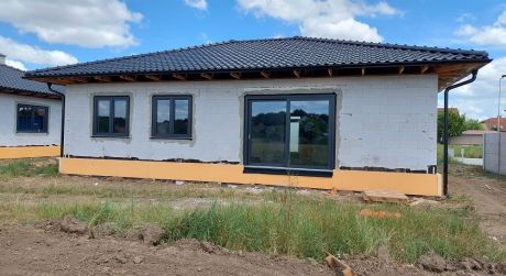 Budúca novostavba domu, Dojč, Pri škole