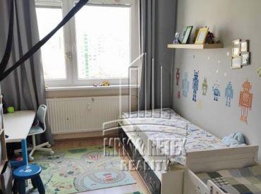 3 izbový byt vo výbornej lokalite na ulici Holíčska