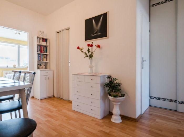 ROVNIANKOVA, 3-i byt, 77 m2 - presklenná LOGGIA 6 m2, Chorvátske rameno, PODZEMNÉ GARÁŽE V DOME