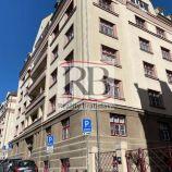 Na prenájom priestranný, slnečný 3 a 1/2 izbový byt v tichom centre mesta na Zochovej ulici, BAI