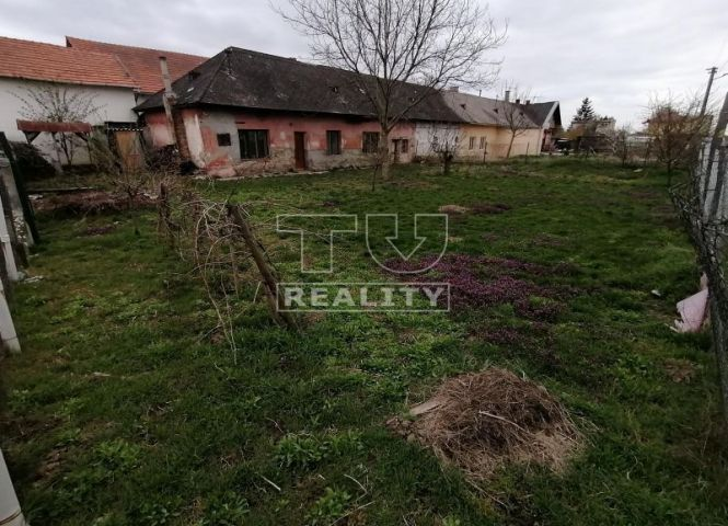 pre rodinné domy - Nitrianska Streda - Fotografia 1