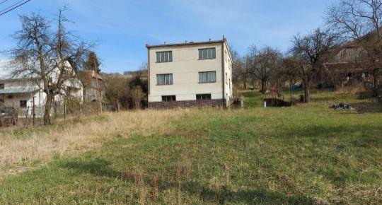 REZERVOVANÉ Dom s pozemkom 1432m2, Stará Lehota