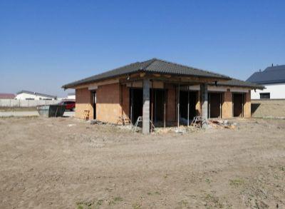 Vynikajúci 4-izbový bungalov, kt. môže byť Vašim novým domovom